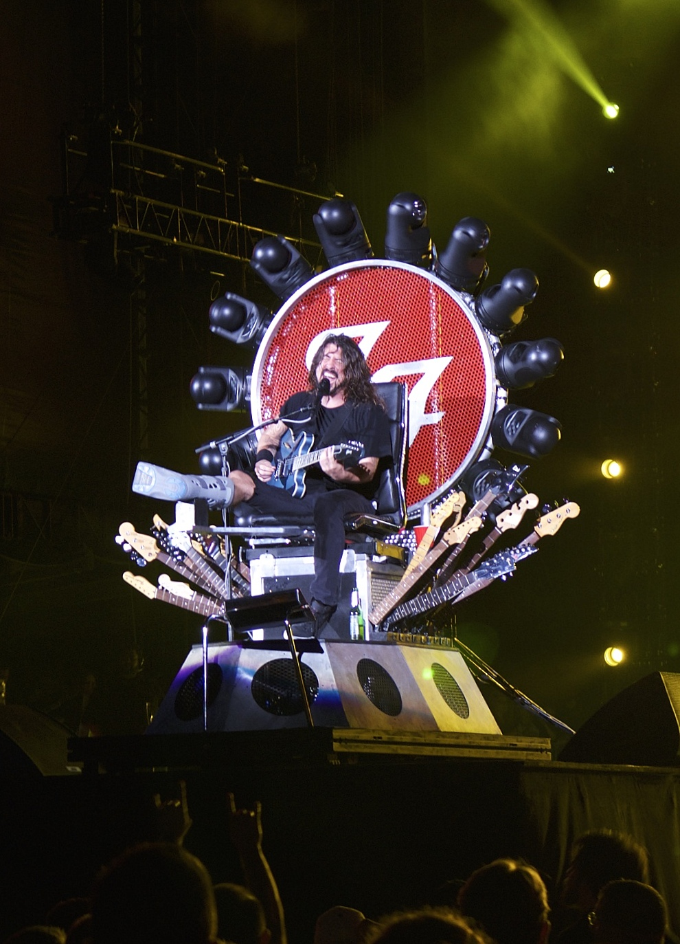 Grohl on the Throne